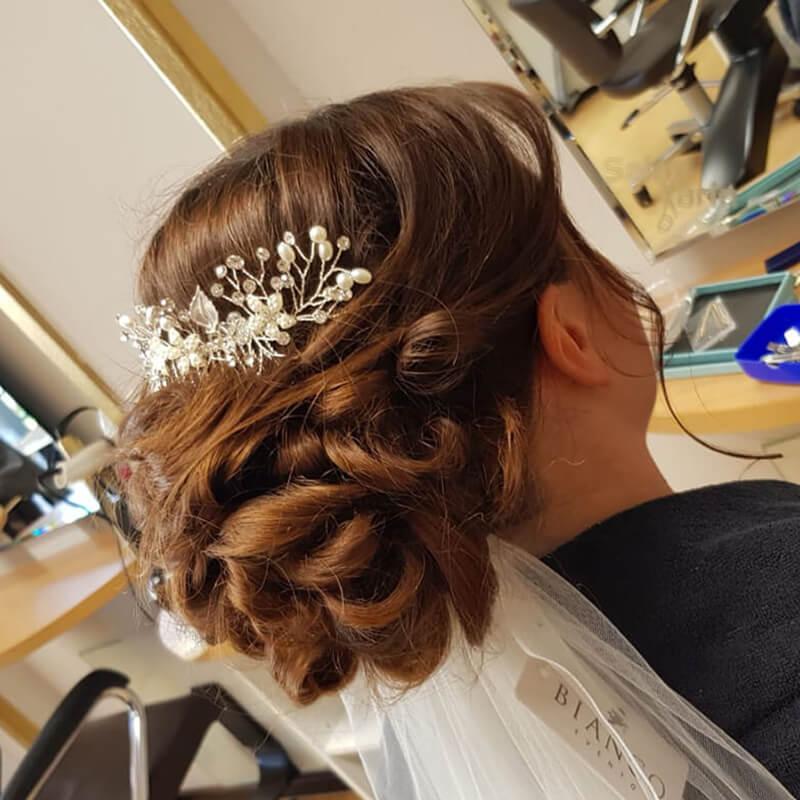 Haarstyling Frisur Variante 3 Haarschmuck - Salon Karin