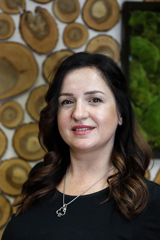 Yasenka Hristova - Friseurin